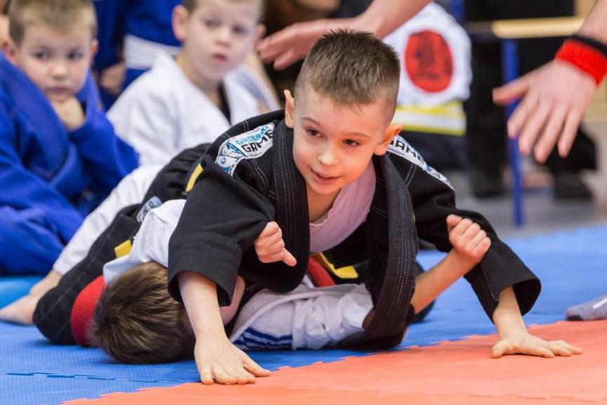 BJJ-judo-zapasy-czego-ucza-dzieci