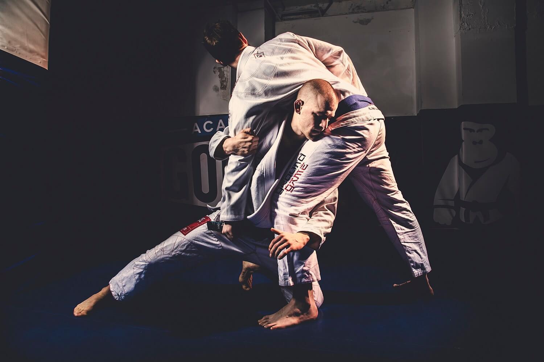 Jak poradzić sobie z porażką podczas rywalizacji w sportach walki?